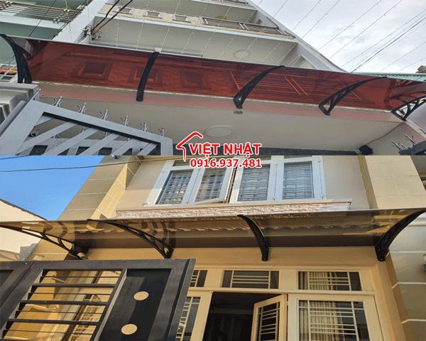 Lắp đặt mái che Việt Nhật để chống mưa tạt vào nhà hiệu quả.