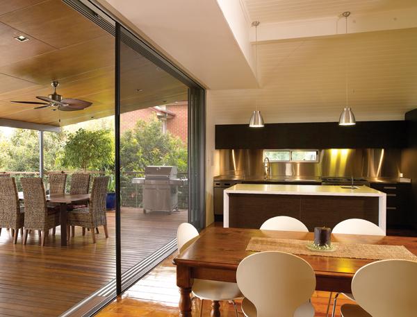 Cửa lùa chống muỗi phòng khách